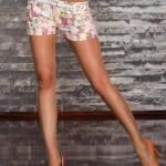 Pantaloni scurti cu imprimeuri florale