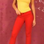 Pantaloni rosii dama
