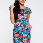 Rochie cu trandafiri colorati